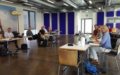 Erster Azubi-Chat mit fünf Unternehmen