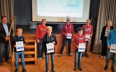 """Preisverleihung """"Technik aus Oelde"""": Multifunktionales Hochbeet überzeugt Jury"""